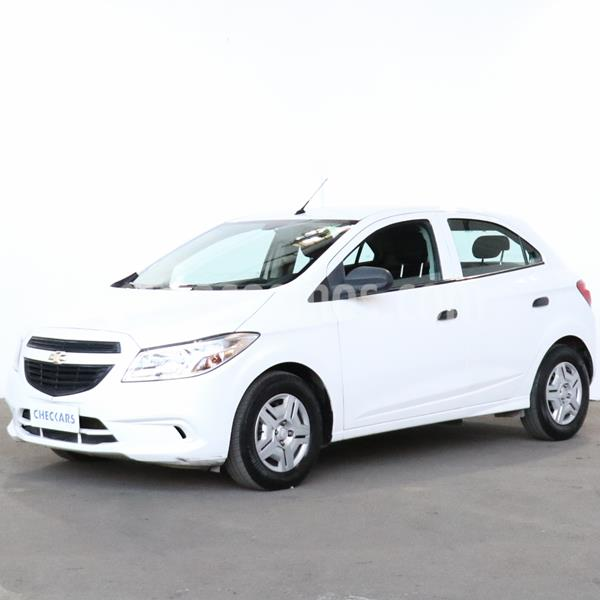 Chevrolet Onix Joy LS usado (2018) color Blanco Summit precio $924.000