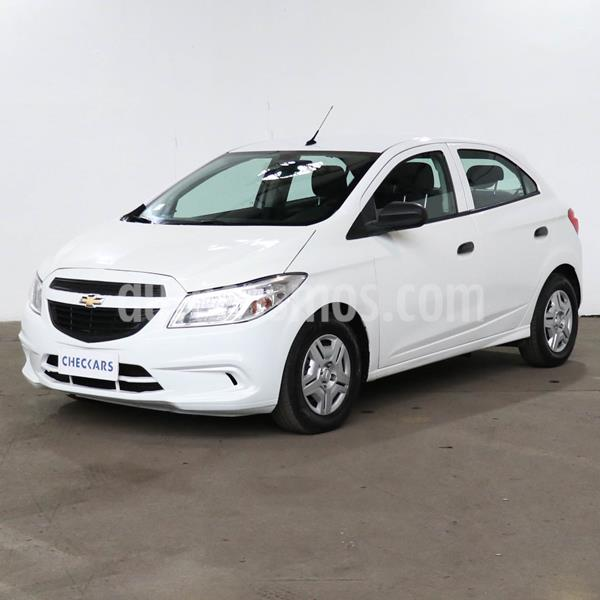 Chevrolet Onix Joy LS usado (2018) color Blanco Summit precio $785.700