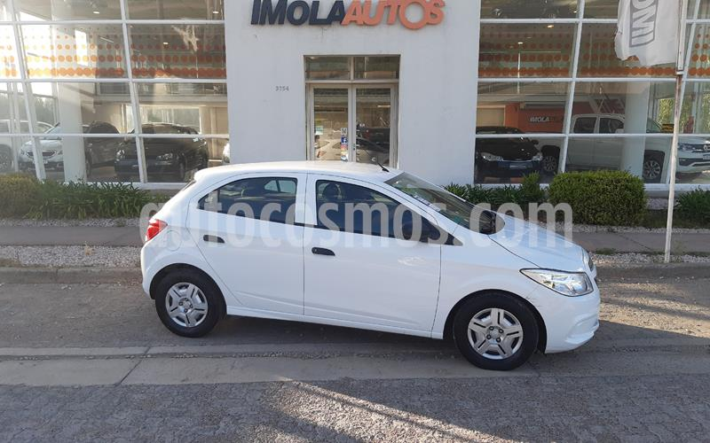 Chevrolet Onix Joy LS + usado (2017) color Blanco Summit precio $870.000