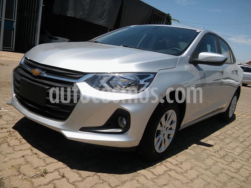 Chevrolet Onix Plus 1.2 LT nuevo color Plata Switchblade precio $1.180.000