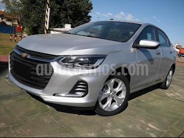 Chevrolet Onix Plus 1.0T Premier I nuevo color Plata Switchblade precio $1.040.000