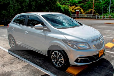 Foto venta Carro usado Chevrolet Onix 1.4 LTZ Aut (2016) color Plata precio $37.800.000