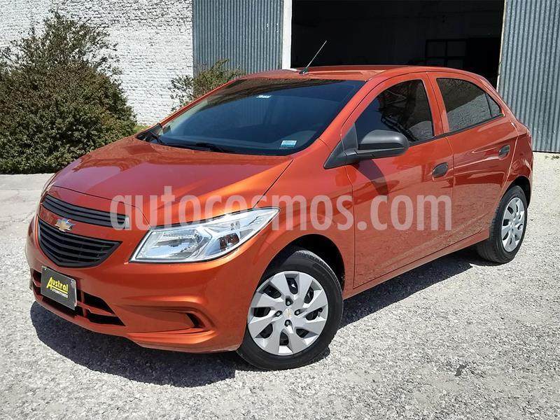 Chevrolet Onix LT usado (2014) color Naranja Flame precio $490.000
