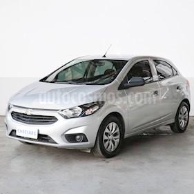 Chevrolet Onix LT usado (2017) color Plata precio $735.000