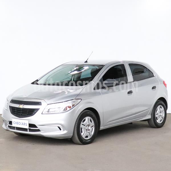 Chevrolet Onix LT usado (2018) color Plata precio $841.000