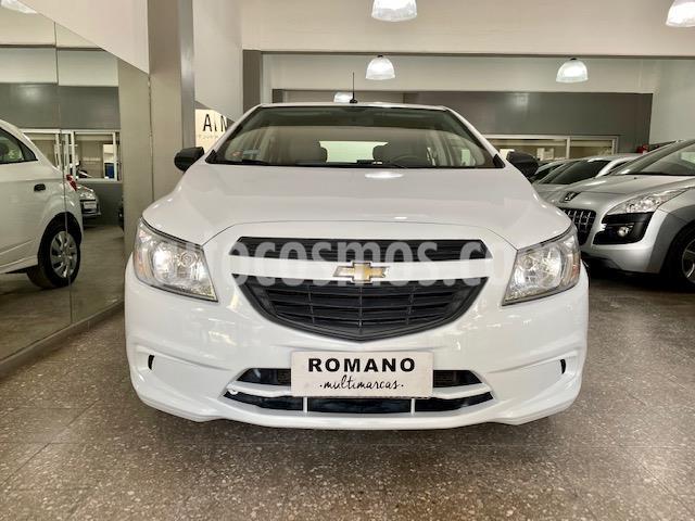 Chevrolet Onix LT usado (2016) color Blanco Summit precio $890.000