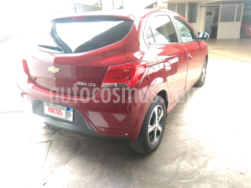Chevrolet Onix LTZ usado (2016) color Rojo Chili precio $680.000