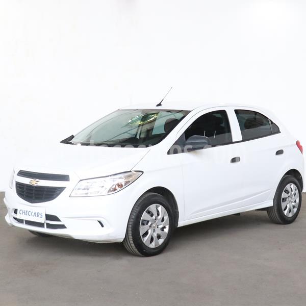 Chevrolet Onix LT usado (2016) color Blanco precio $926.000