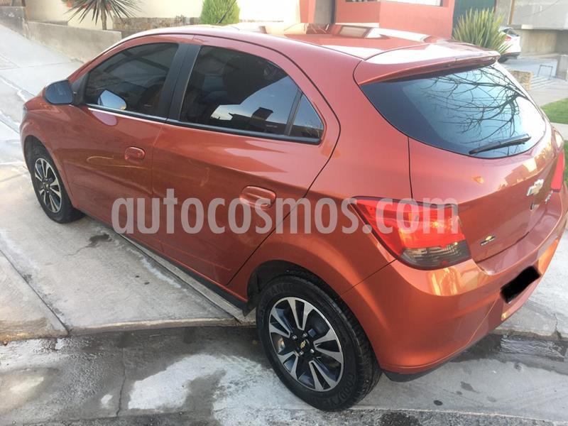 Chevrolet Onix LTZ usado (2014) color Naranja Flame precio $730.000