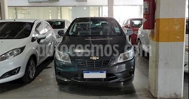 foto Chevrolet Onix LT usado (2016) color Gris Oscuro precio $550.000