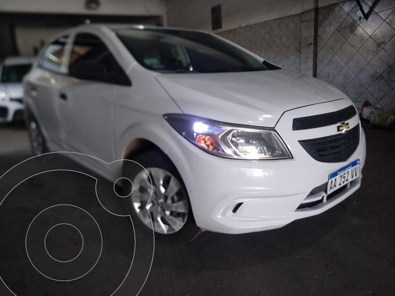 Chevrolet Onix LT usado (2016) color Blanco Summit precio $790.000