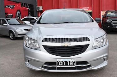 Chevrolet Onix LT usado (2015) color Gris Claro precio $475.000