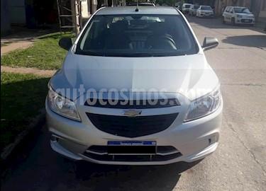 Chevrolet Onix 1.2 LT Pack Tech usado (2016) color Gris Claro precio $510.000