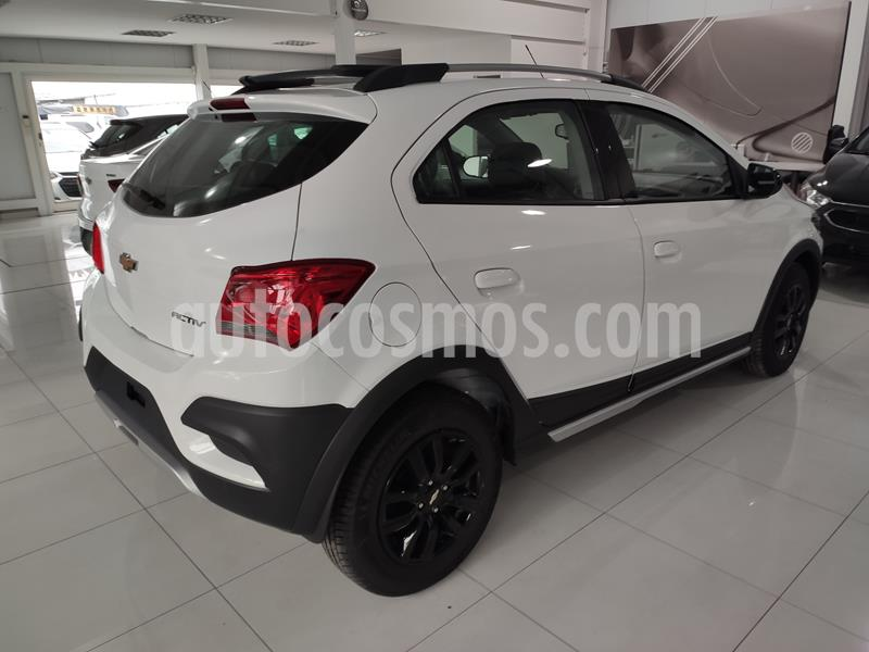 foto Chevrolet Onix Activ usado (2019) color Blanco precio $999.990