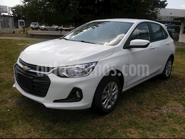 Chevrolet Onix 1.2 LT Pack Tech nuevo color Blanco Summit precio $970.000