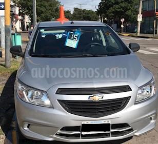 Foto venta Auto usado Chevrolet Onix LT (2015) color Gris Claro precio $315.000
