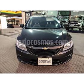 Foto venta Auto usado Chevrolet Onix LT (2016) color Gris Oscuro
