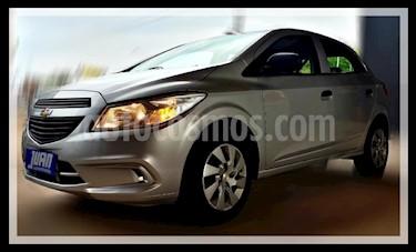 Foto venta Auto usado Chevrolet Onix LT (2015) color Gris Claro precio $490.000
