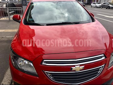 foto Chevrolet Onix LTZ usado (2015) color Rojo Chili precio $380.000