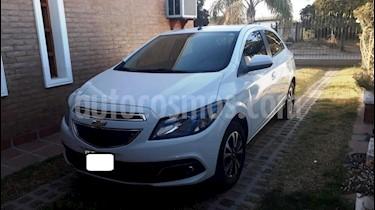 Foto Chevrolet Onix LTZ usado (2014) color Blanco precio $479.000