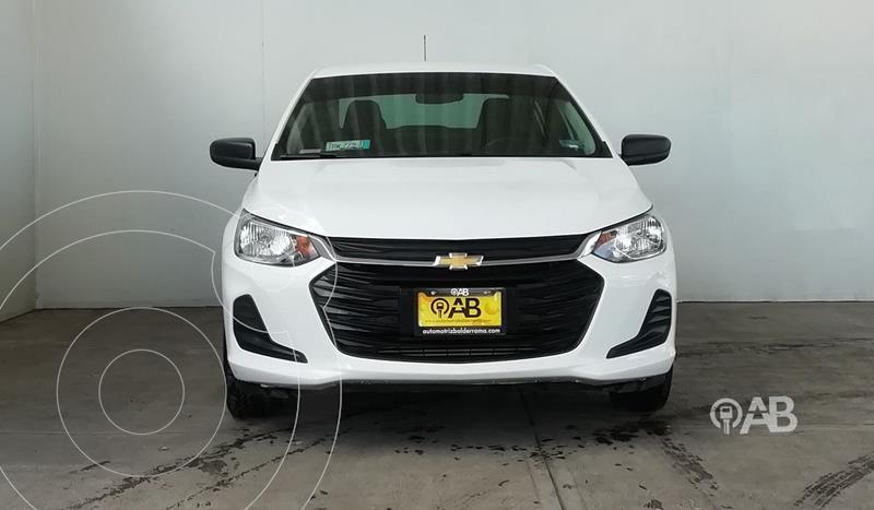 Foto Chevrolet Onix LS usado (2021) color Blanco precio $262,000