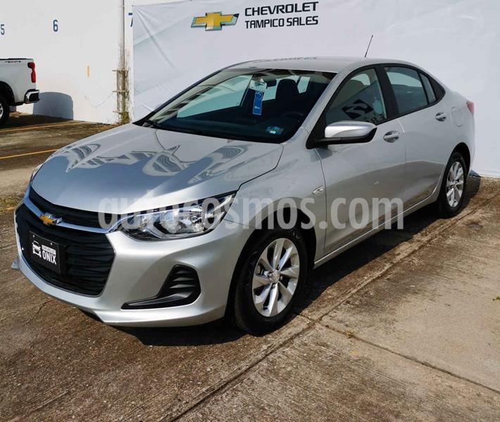 Chevrolet Onix LT Aut nuevo color Plata precio $300,700