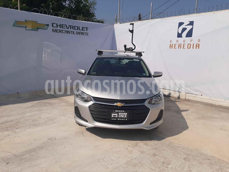 Chevrolet Onix LT nuevo color Plata precio $274,700