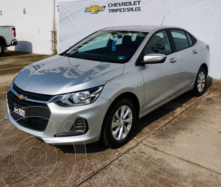 Foto Chevrolet Onix LT Aut nuevo color Plata precio $315,300