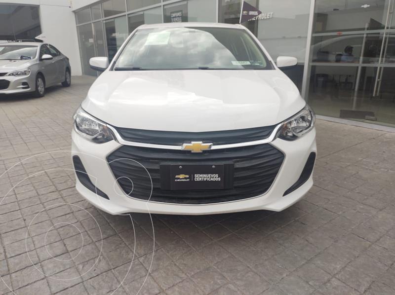 Foto Chevrolet Onix LT usado (2021) color Blanco precio $302,000