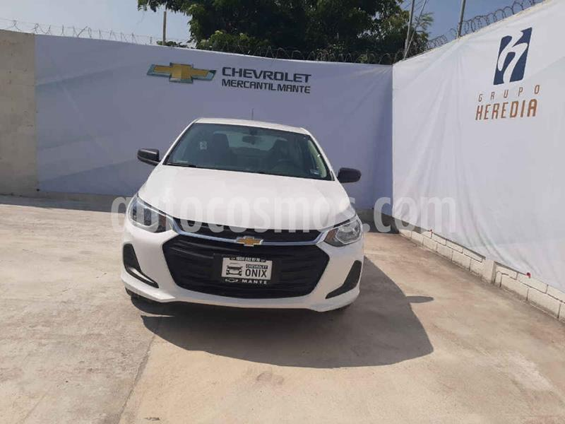 Chevrolet Onix LT nuevo color Blanco precio $277,600