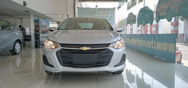 Foto Chevrolet Onix LT Aut usado (2021) color Plata Dorado precio $304,000