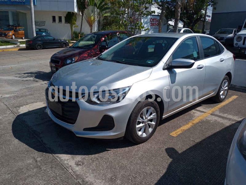Chevrolet Onix LT Aut usado (2021) color Plata precio $278,000