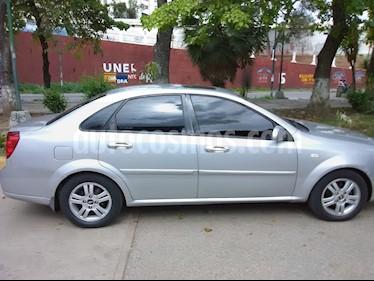 Foto venta carro usado Chevrolet Optra Limited (2008) color Plata precio u$s2.900