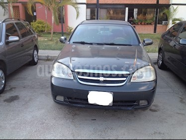 Foto venta carro usado Chevrolet Optra Limited (2007) color Gris precio u$s1.400