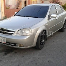 Foto venta carro Usado Chevrolet Optra Limited (2007) color Bronce precio u$s2.000