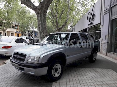 Foto venta Auto usado Chevrolet S 10 Serie Limitada 100 Anos 4x2 (2007) color Gris Claro precio $340.000
