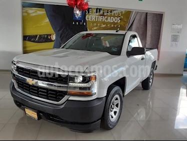 Foto venta Auto usado Chevrolet Silverado 1500 2p Cab Regular V6/4.3 Aut A/A CD (2017) color Blanco precio $367,900