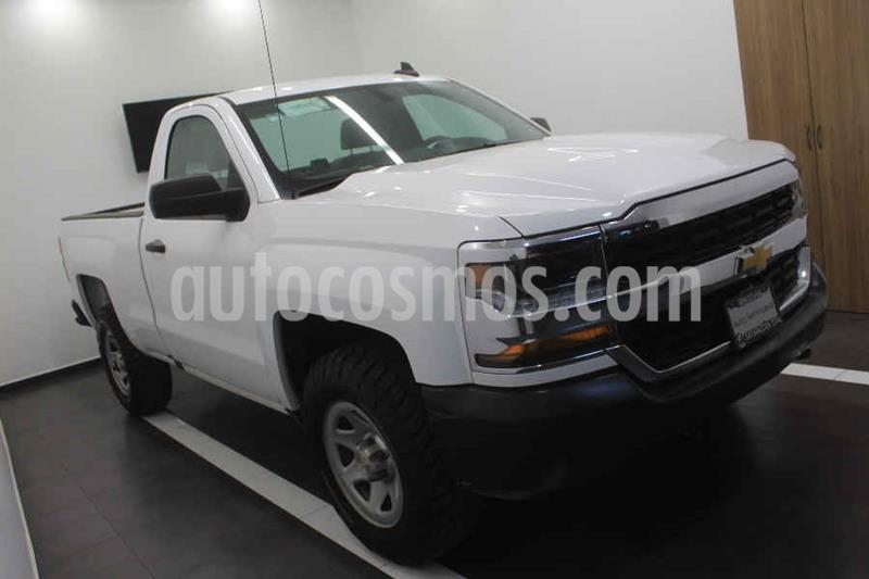 Chevrolet Silverado 1500 Version usado (2017) color Blanco precio $289,000