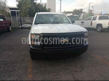 Foto Chevrolet Silverado 1500 Cab Reg Paq A usado (2014) color Blanco precio $215,000