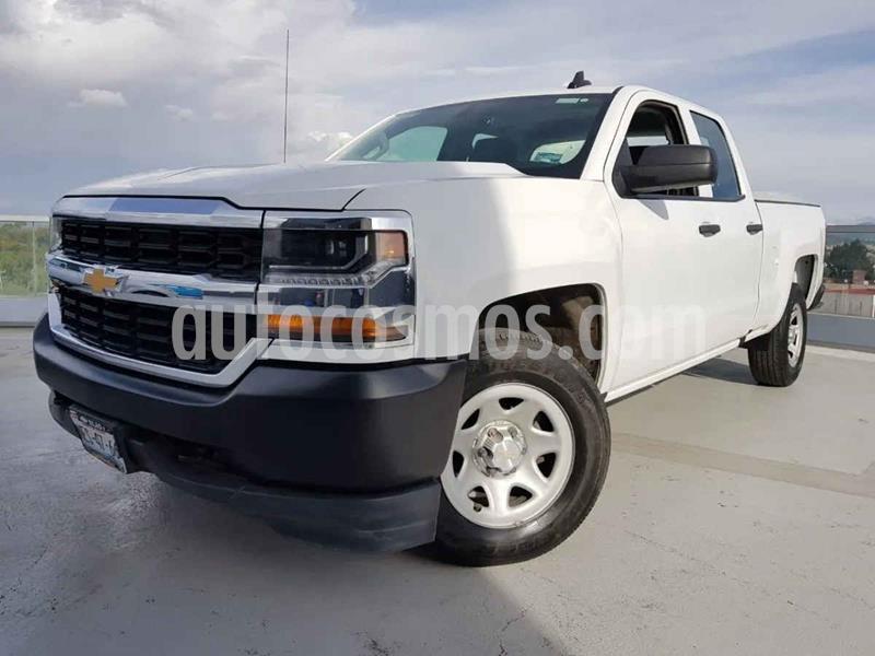 Chevrolet Silverado 1500 LS Cab Reg  A/A Radio Aut usado (2017) color Blanco precio $359,000