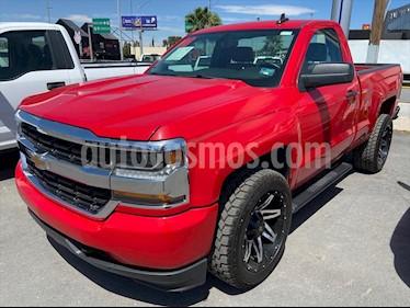Chevrolet Silverado 1500 LS, REG. CAB. 4X2 V6 T/A usado (2018) color Rojo precio $379,000