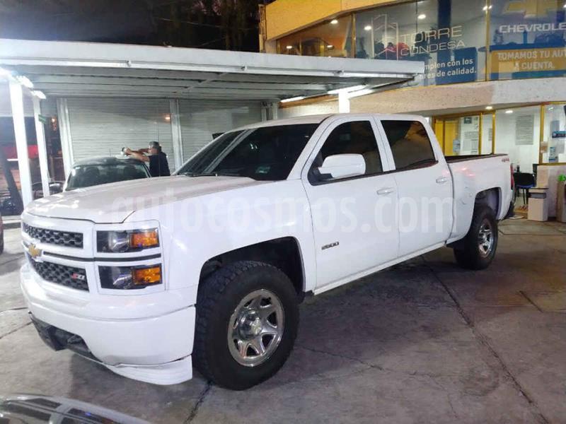 Chevrolet Silverado 1500 4x4 Doble Cabina Paq F usado (2015) color Blanco precio $349,000