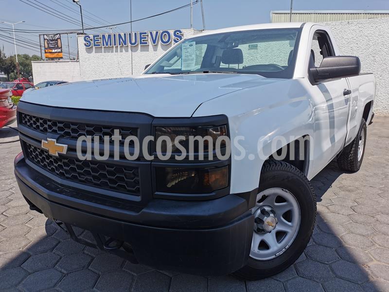 Chevrolet Silverado 1500 Cab Reg Paq A usado (2015) color Blanco precio $240,000