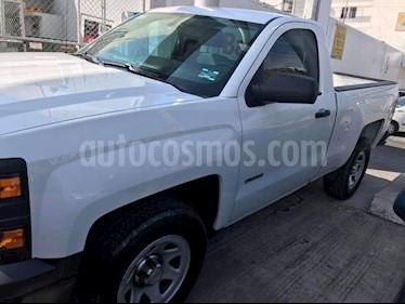 Foto venta Auto usado Chevrolet Silverado 2500 4x2 Cab Reg LS (2015) color Blanco Olimpico precio $235,000