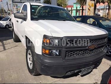 Foto venta Auto usado Chevrolet Silverado 2500 4x2 Cab Reg LS (2015) color Blanco Olimpico precio $245,000