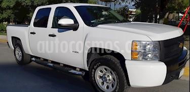 Foto Chevrolet Silverado 2500 4x2 Doble Cabina Paq E usado (2012) color Blanco precio $233,000