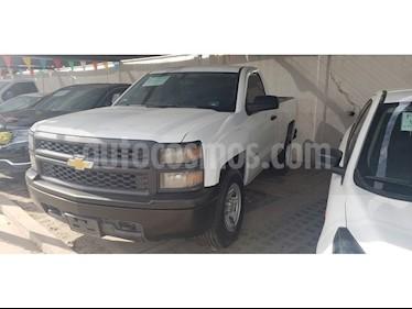 Foto venta Auto usado Chevrolet Silverado 2500 4x4 Cab Reg Paq B (2014) color Blanco precio $218,000