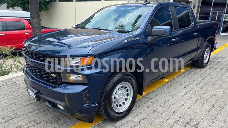 Chevrolet Silverado 2500 Doble Cabina 4X2 usado (2019) color Azul Electrico precio $629,000