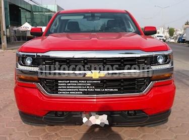 Chevrolet Silverado 2500 4x2 Doble Cabina LS usado (2016) color Rojo precio $358,000