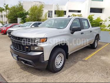 Chevrolet Silverado 2500 4x4 Doble Cabina Paq F nuevo color Plata precio $689,300